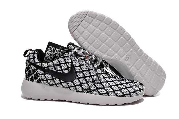 Cheap Nike Roshe One Yeezy 350 Black Grey White On VaporMaxRunning