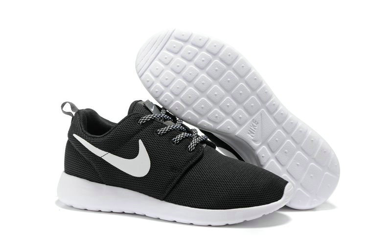 Cheap Nike Roshe One Womens Black White On VaporMaxRunning