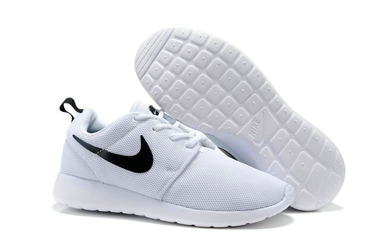 Cheap Nike Roshe One Womens White Black On VaporMaxRunning