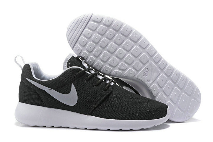 Cheap Nike Roshe Two Womens Grey Black White On VaporMaxRunning