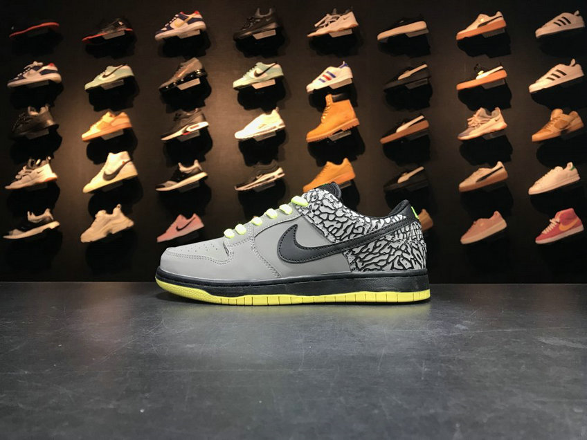 2018 Nike SB Dunk x Cheap Nike Dunk Low Premium SB TRD QS Grey Black Green Gris Noir Vert On VaporMaxRunning