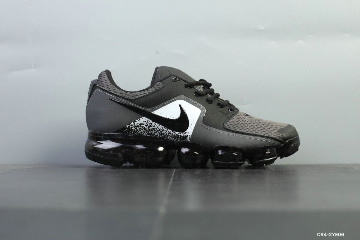 Nike Shoes Cheap Nike Air VaporMax 2018 CS Womens Black White On VaporMaxRunning