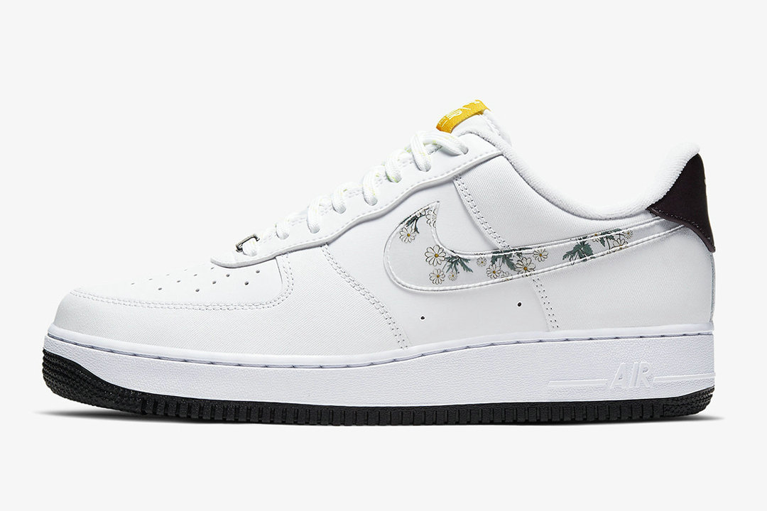 2020 Cheap Nike Air Force 1 Daisy White Speed Yellow Pale Ivory White CW5571-100 On VaporMaxRunning