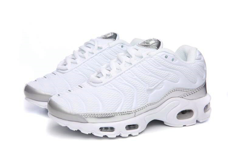 purchase cheap 2d353 b5a39 Air Maxs Cheap Nike Air Max TN Plus Triple White On VaporMaxRunning