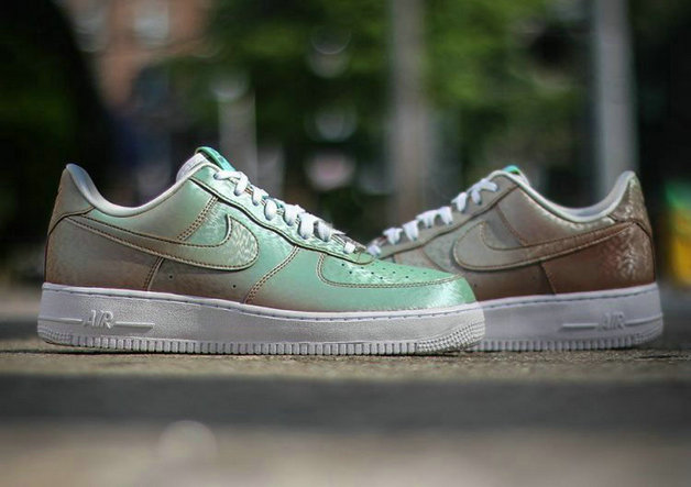 Cheap Nike Air Force 1 Low Womens Independence Day On VaporMaxRunning