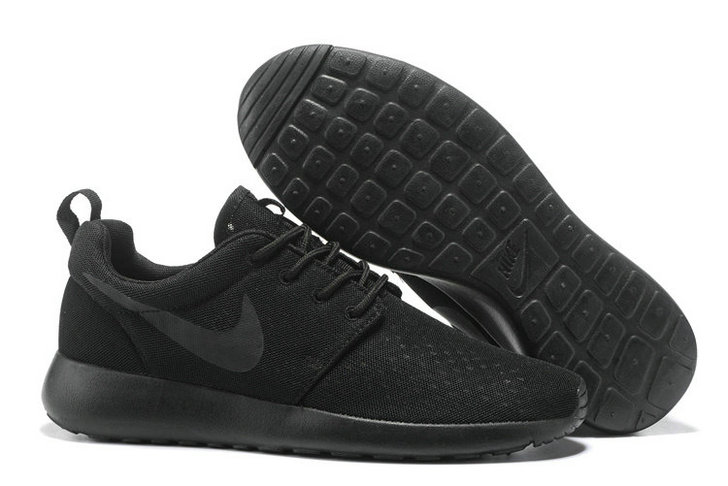 Cheap Nike RosheRun One Mens All Black On VaporMaxRunning
