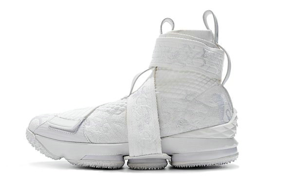 Cheap KITH x Nike LeBron 15 Lifestyle City of Angels Triple White Mens Basketball Shoes On VaporMaxRunning
