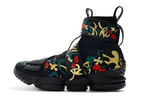 Cheap KITH x Nike LeBron 15 Lifestyle Kings Crown Black Gold Floral Mens Basketball Shoes On VaporMaxRunning