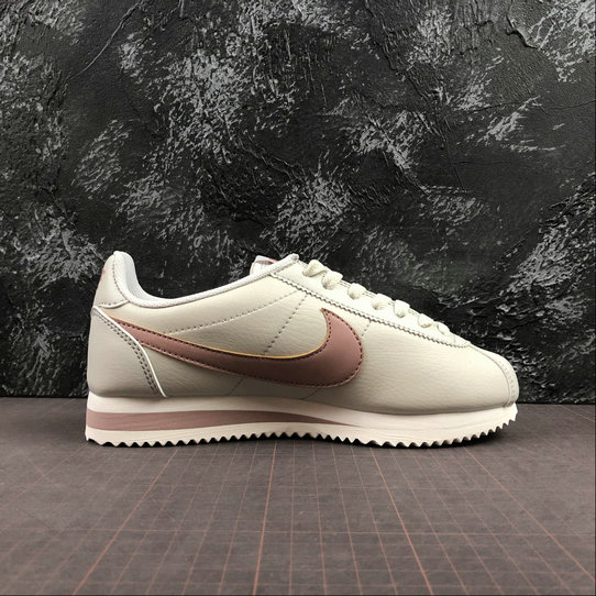 Womens 2019 Cheap Nike Classic Cortez Leather Light Bone Particle Pink 807471-013 On VaporMaxRunning
