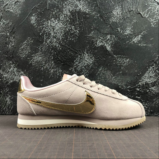 Womens 2019 Cheap Nike Classic Cortez SE Diffused Taupe Gold Gum Shoes 902856-204 On VaporMaxRunning