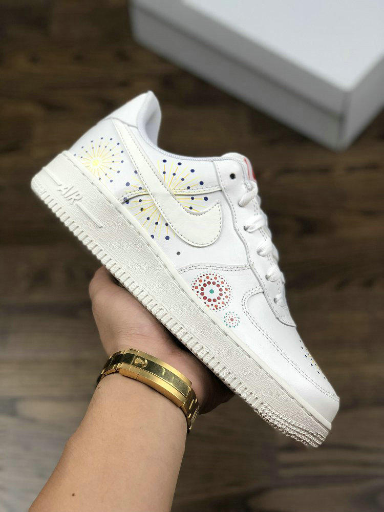 Womens NIKE AIR FORCE 1 PINNACLE LNY White Rice Yellow