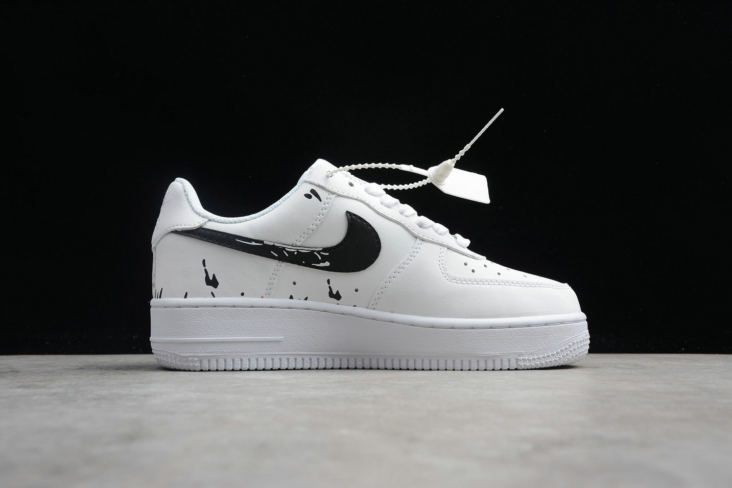 Womens Nike Air Force 1 Mid 07 AO3620-108 White Black Blanc Noir