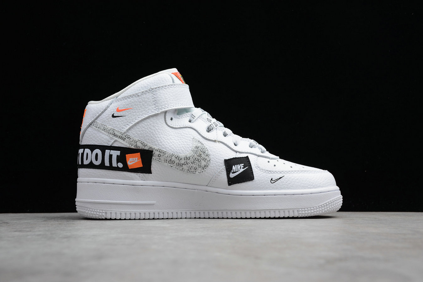 Womens Nike Air Force 1 Mid Retro BQ6474-100 White Orange Joint Name Blanc Orange Nom Commun
